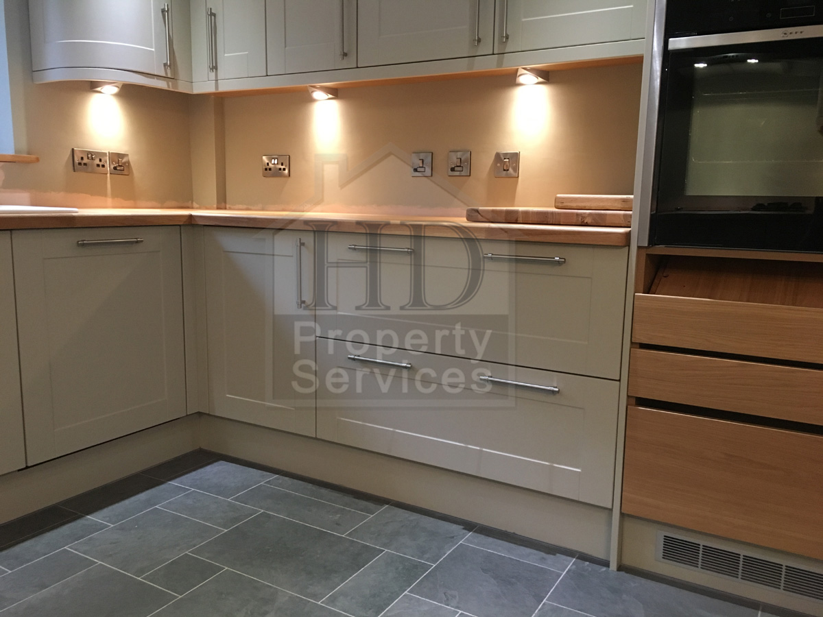 Complete kitchen re-fit with Karndean flooring photo 7