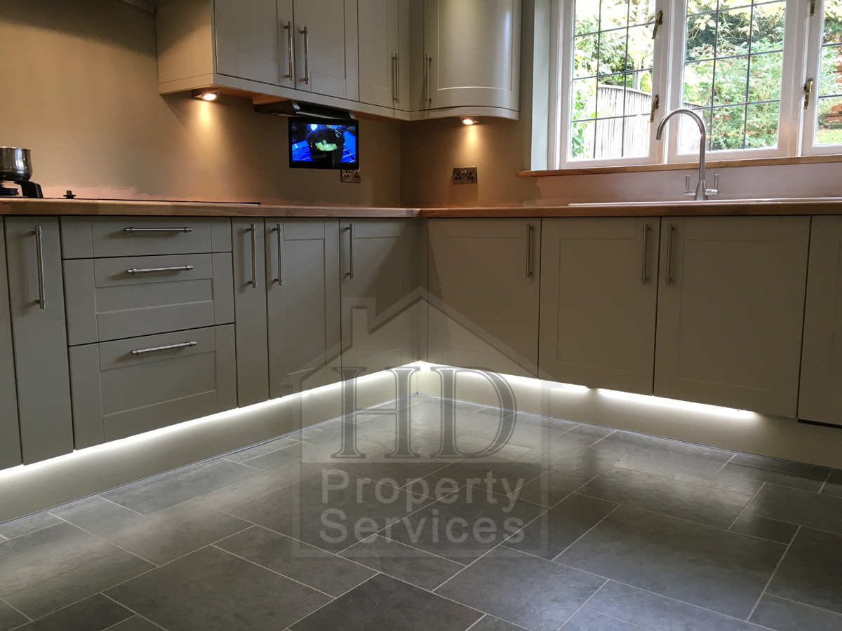 Complete kitchen re-fit with Karndean flooring photo 8