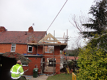 Installing roof trusses